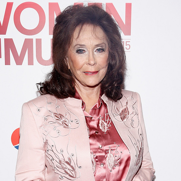 loretta lynn essay Hillary clinton honors lady gaga, female pop stars in billboard essay [loretta] lynn), she said and they're the best at what they do, whether that's fronting a raucous soul band, writing hypnotic dance anthems.