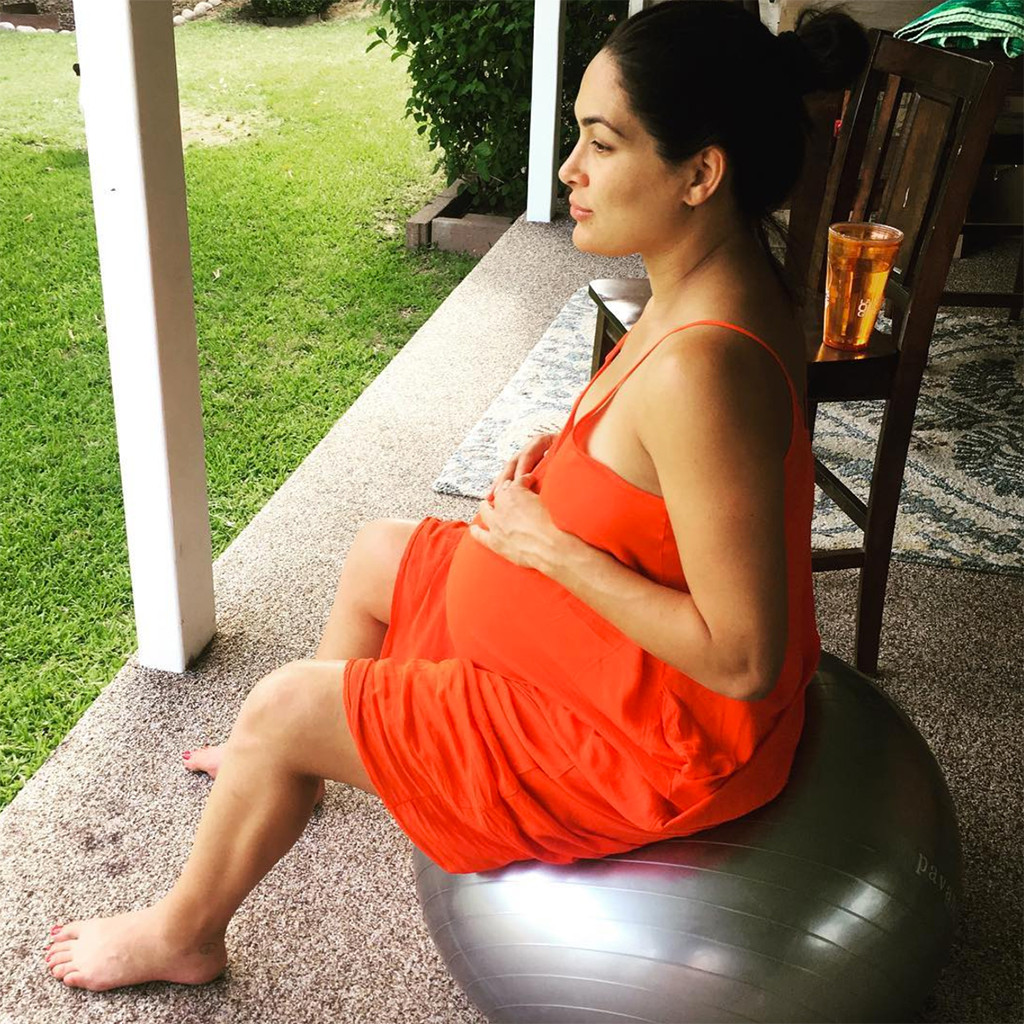momtobe brie bella thanks fans for their support after