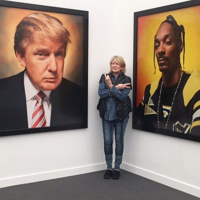 Martha Stewart flashes middle finger toward Trump portrait