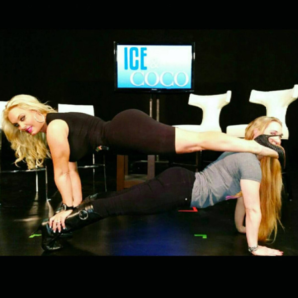 Throwback from coco 39 s impressive yoga poses e news for Best austin instagrams