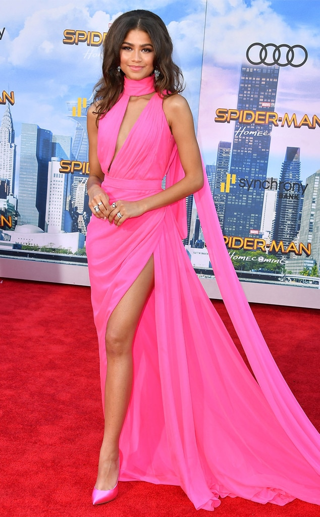 Zendaya Dazzles At Spider Man Homecoming Premiere See