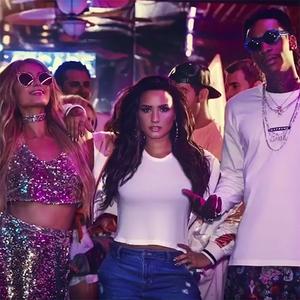 Paris Hilton, Demi Lovato, Wiz Khalifa, Sorry Not Sorry