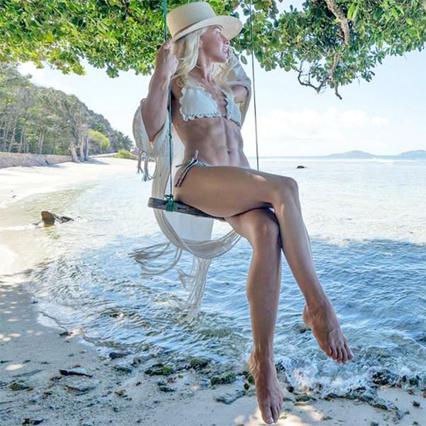 Julianne Hough, Honeymoon