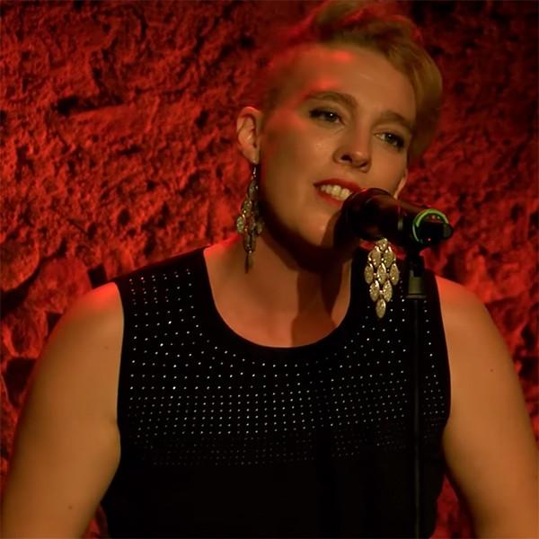 Barbara Weldens, Performance