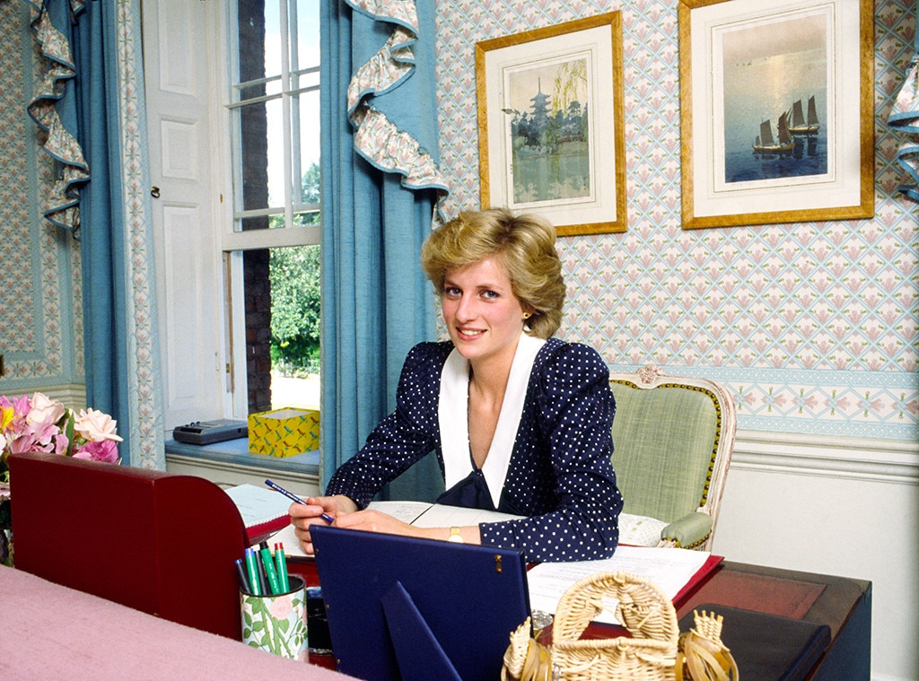 Buckingham Palace exhibit marks 20 years since Diana's death