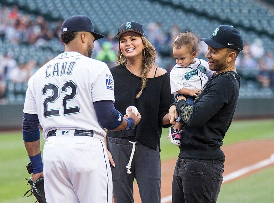 Chrissy Teigen, John Legend, Luna Legend, Baseball