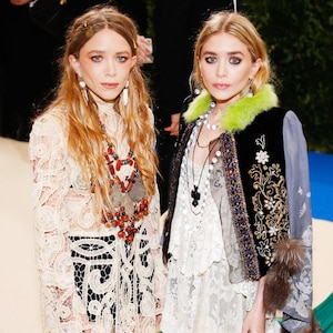 ESC: Mary Kate Olsen, Ashley Olsen