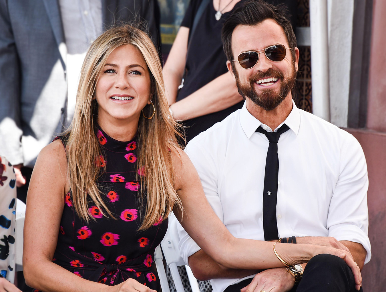 ESC: Jennifer Aniston, Justin Theroux