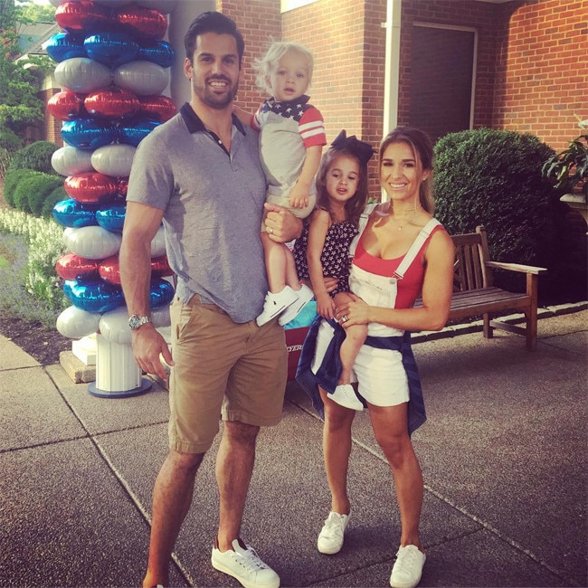 Jessie James Decker Teases Christmas Music, New Album & Song Use ...