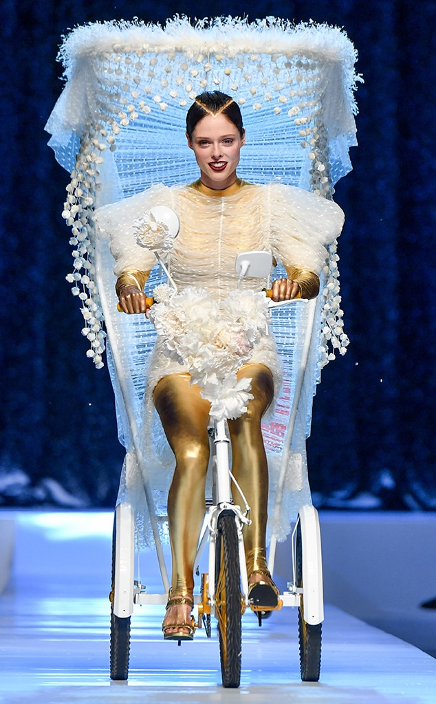 Coco rocha from the big picture today 39 s hot photos e news for Haute couture today
