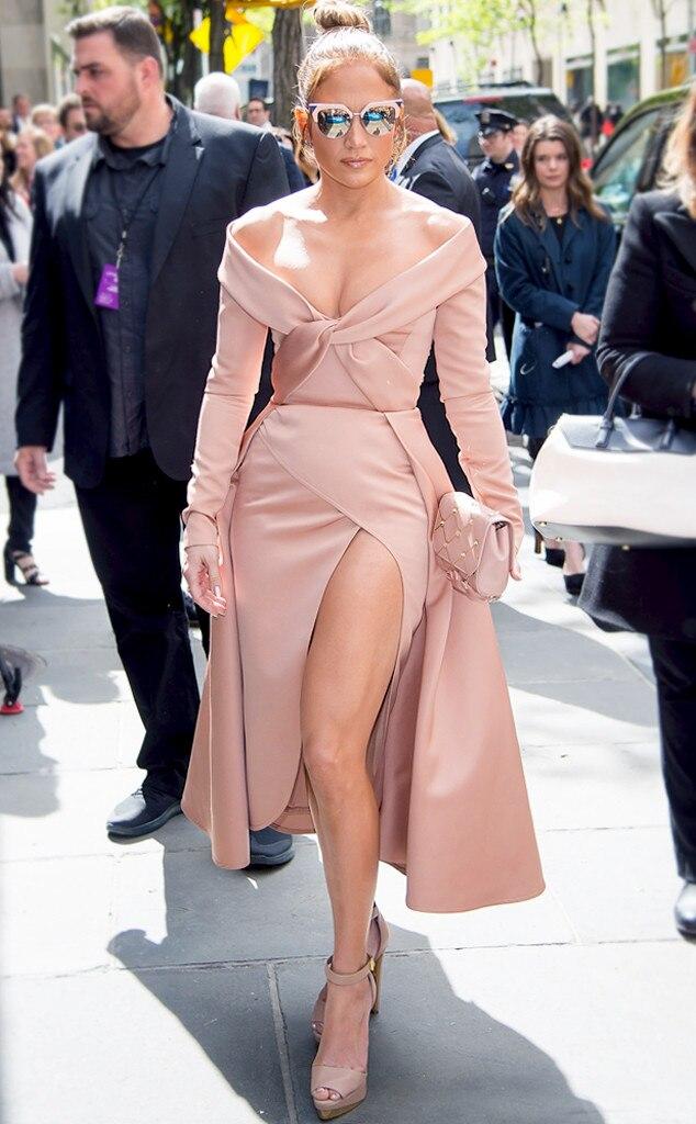 ESC: Jennifer Lopez, Leg Contour