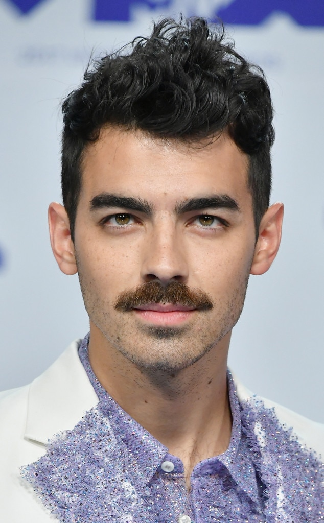 Joe Jonas, MTV Video Music Awards 2017