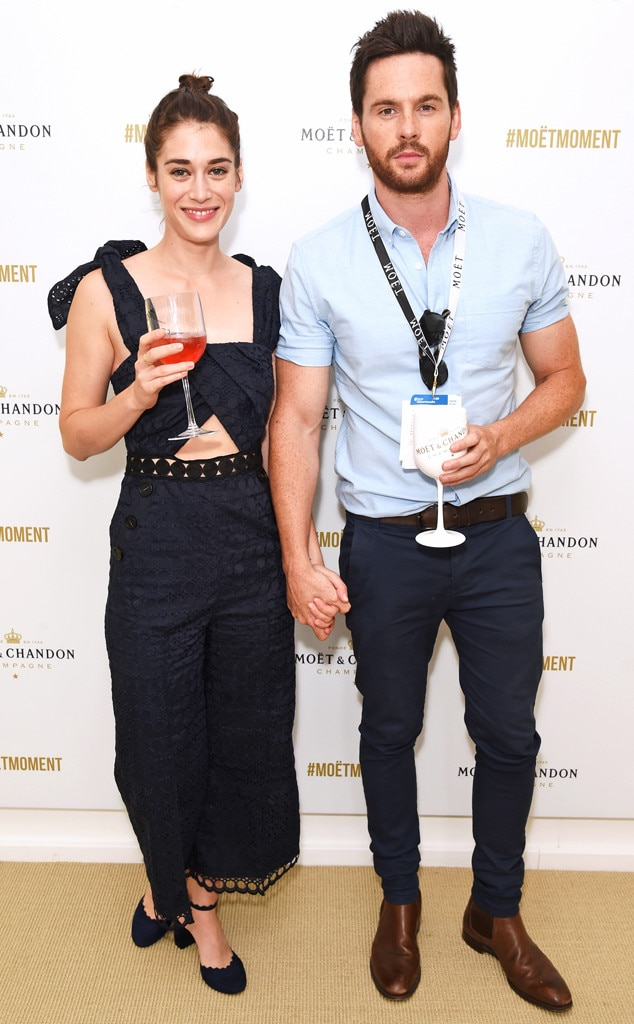 Lizzy Caplan, Tom Riley