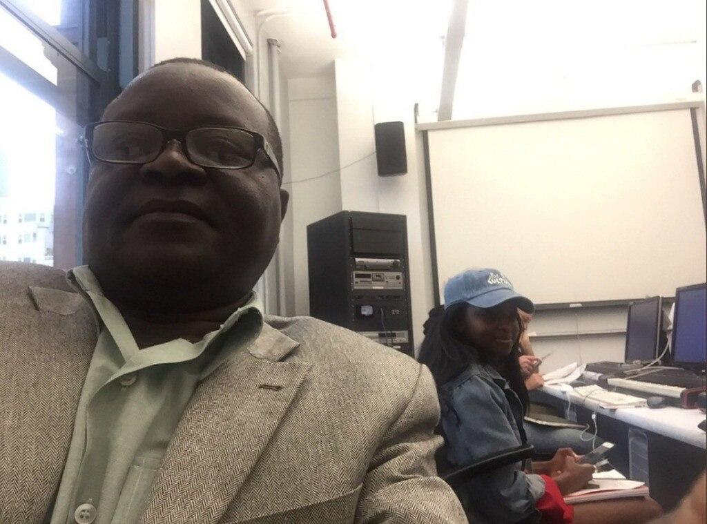 Omete Anassi, Viral