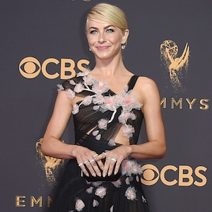 Julianne Hough, 2017 Emmy Awards, Arrivals