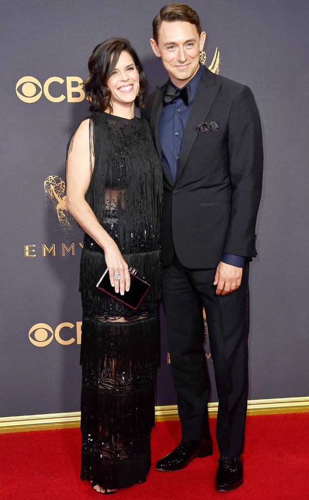 neve campbell amp jj feild from emmys 2017 red carpet