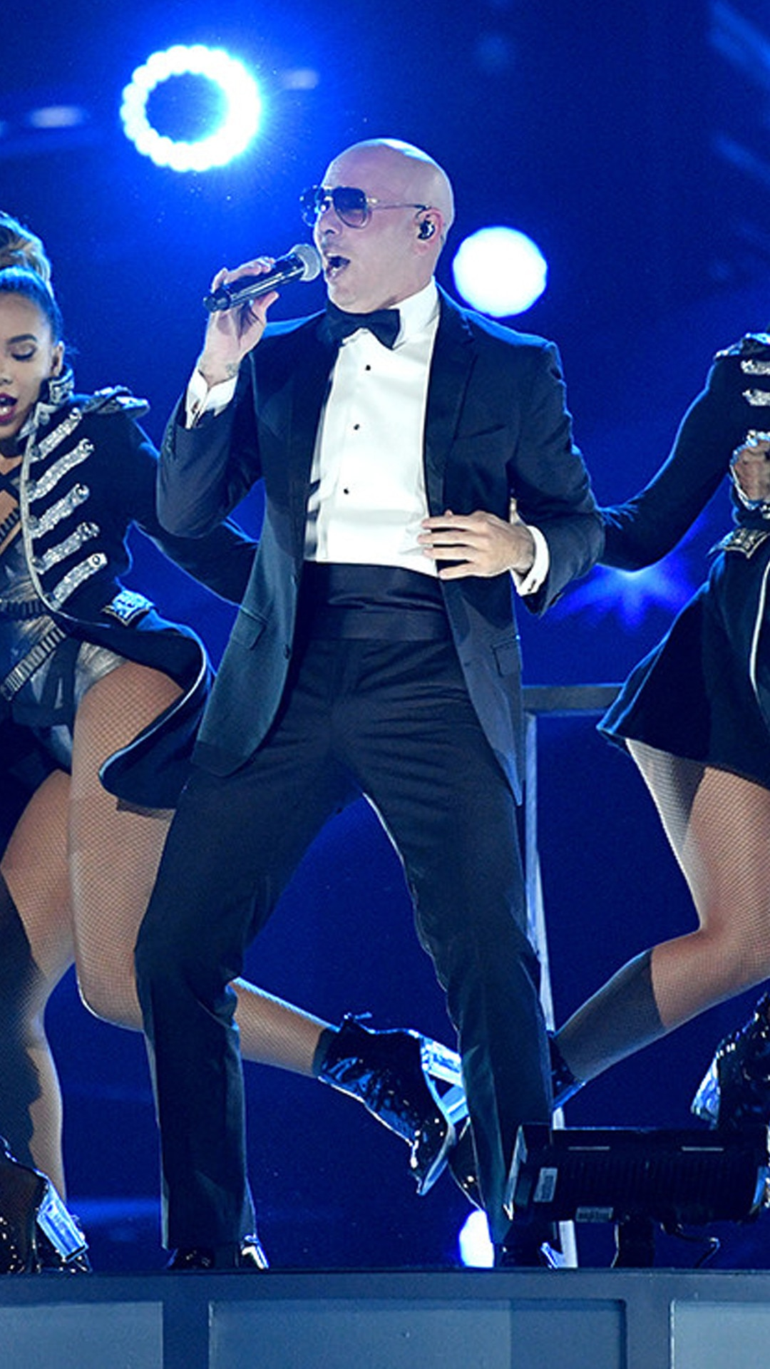Pitbull, 2016 Latin American Music Awards