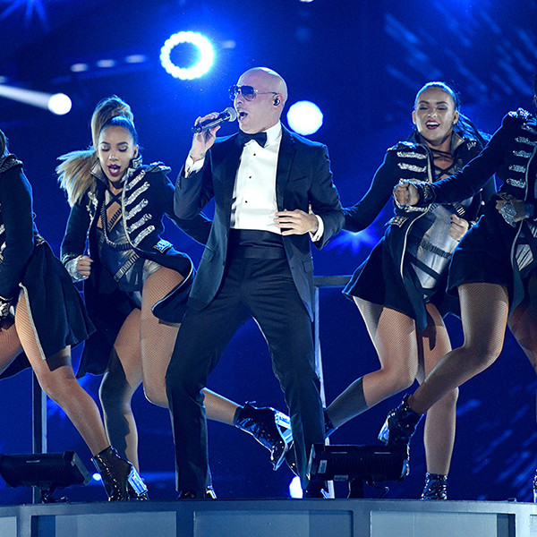 Pitbull, 2016 Latin American Music Awards