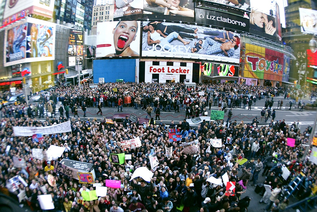 Eminem, TRL, Crowds