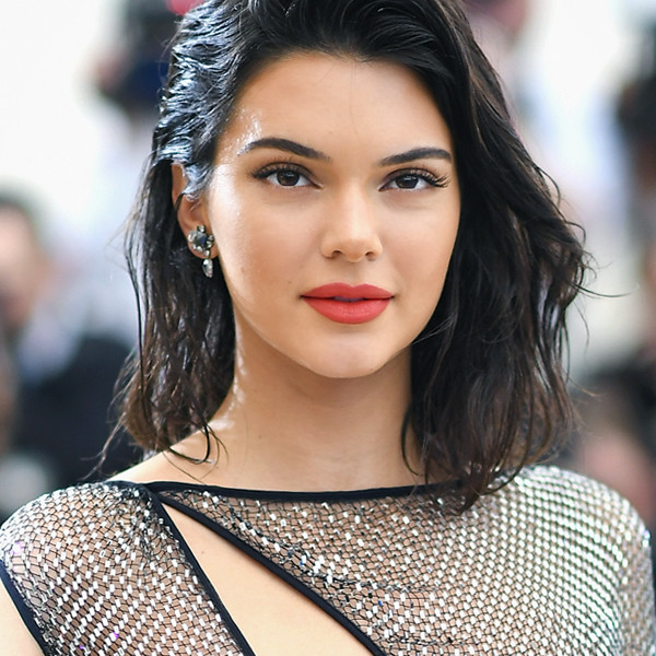ESC: Kendall Jenner, Summer Glow