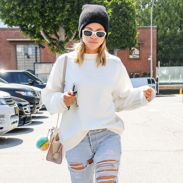Sweater Weather From Sofia Richie 39 S Street Style E News