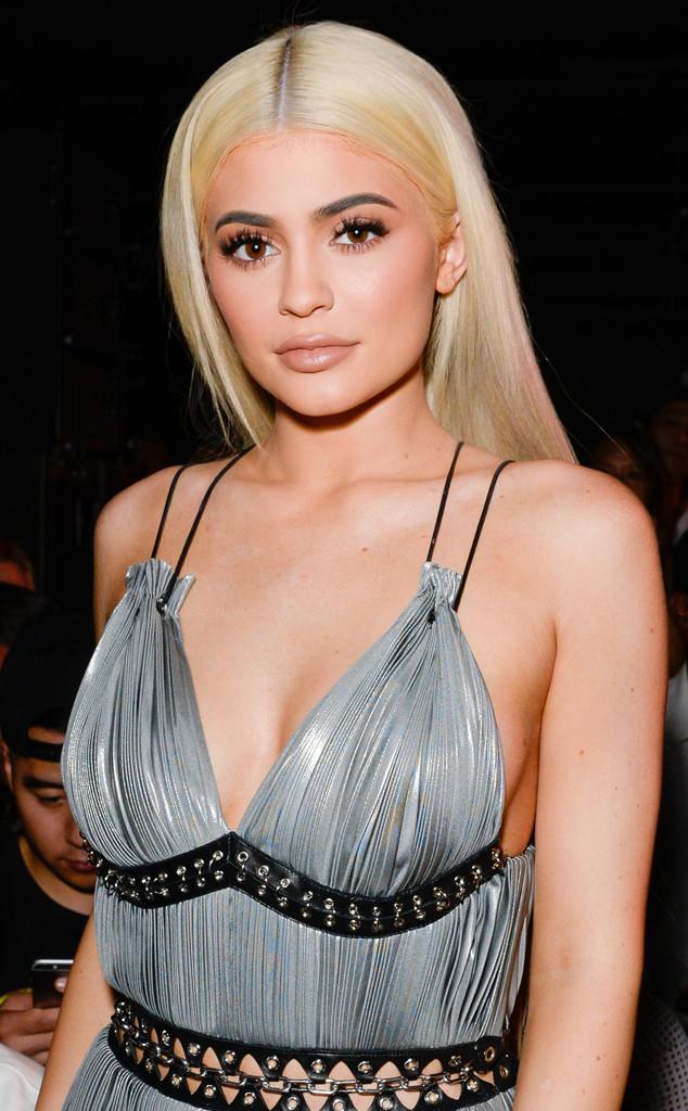 ESC: Kylie Jenner, Blonde Kardashians