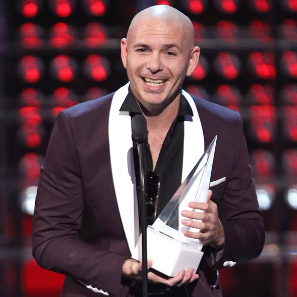 Enrique Iglesias Honors Pitbull With Dick Clark Award at 2017 Latin American Music Awards