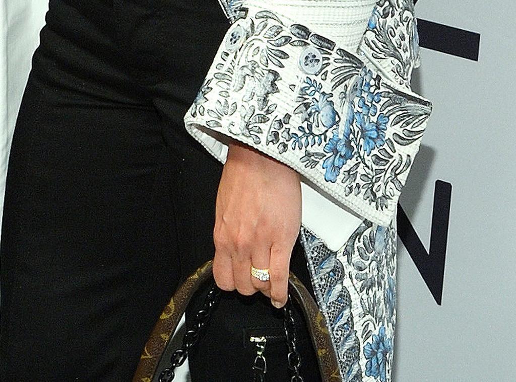 Alicia Vikander, Ring