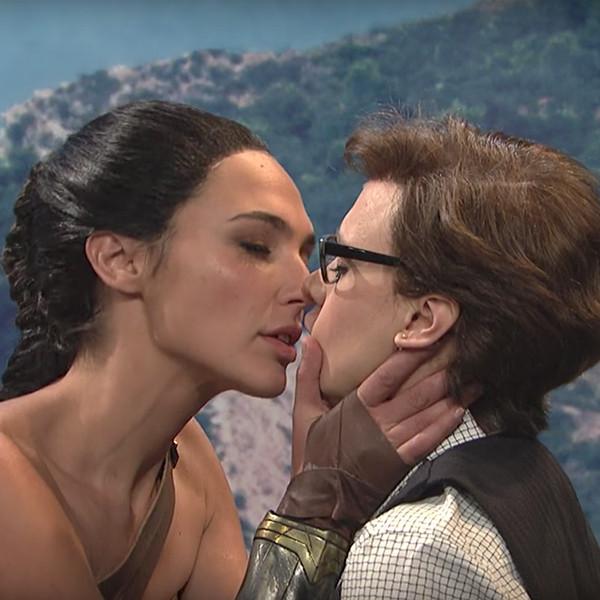 Gal Gadot, Kate McKinnon, Wonder Woman, SNL