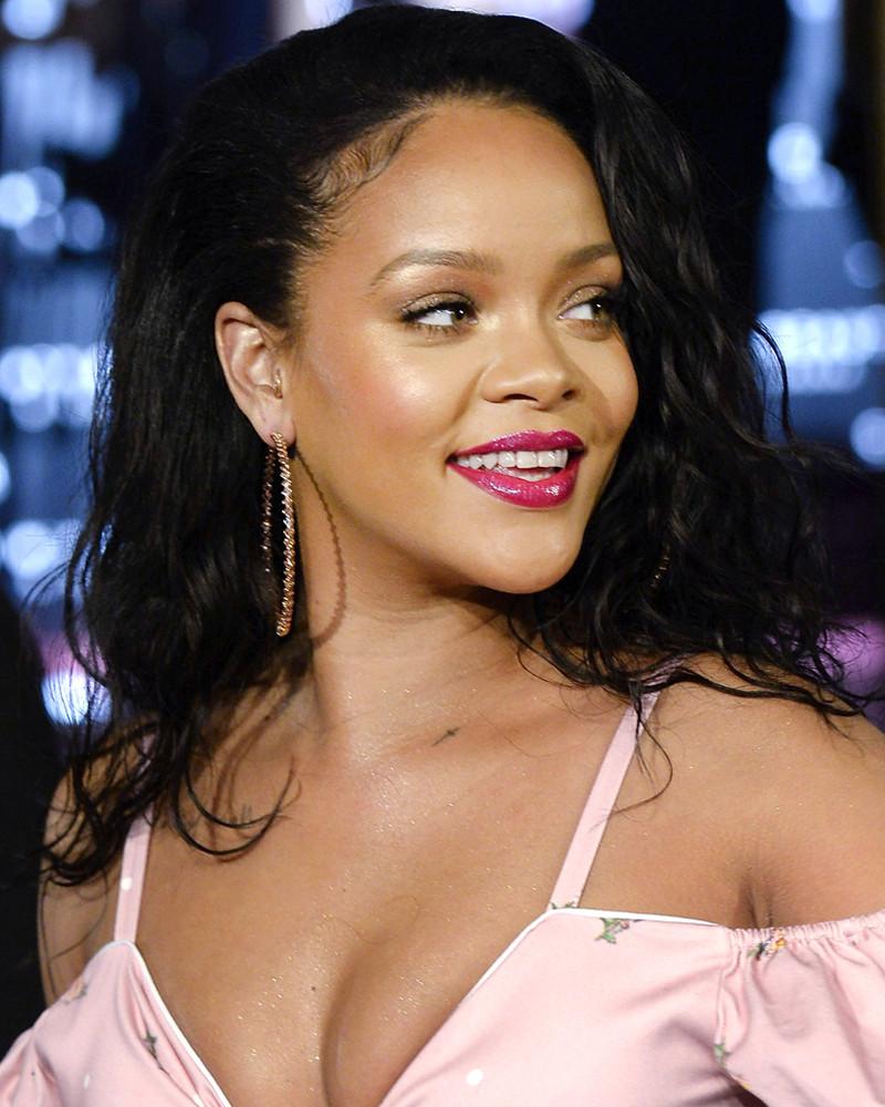 ESC: Rihanna, Fenty Beauty