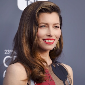 ESC: Jessica Biel, Critics' Choice Awards