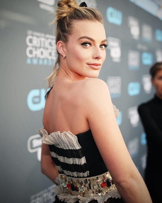 ESC: Margot Robbie, Critics' Choice Awards