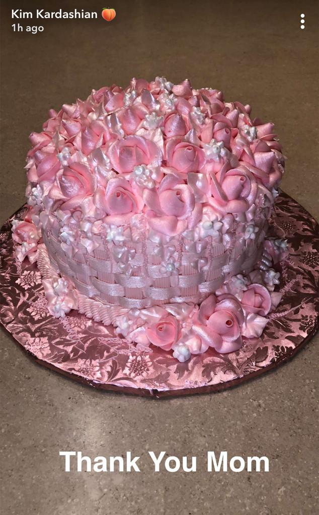 Kim Kardashian, Cake