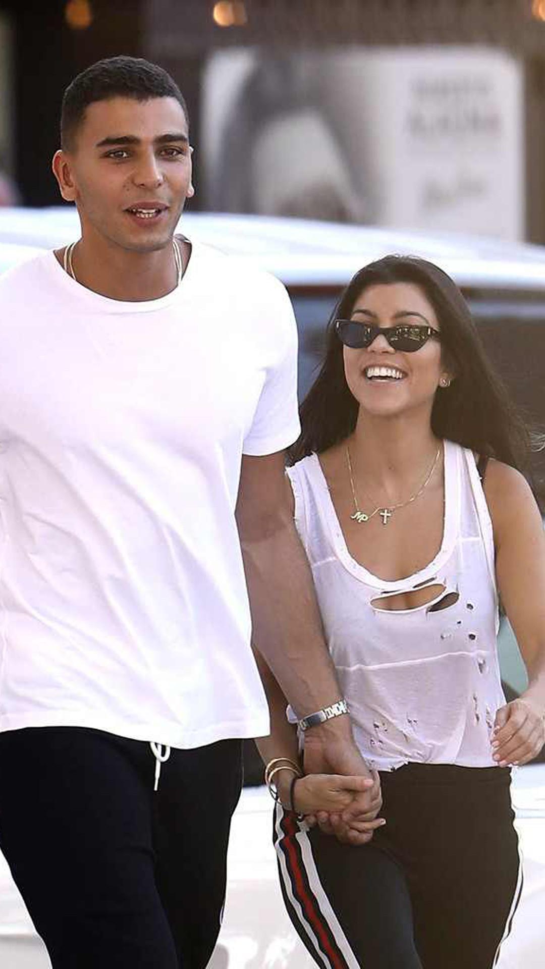 Who is kourtney kardashian dating now in Australia