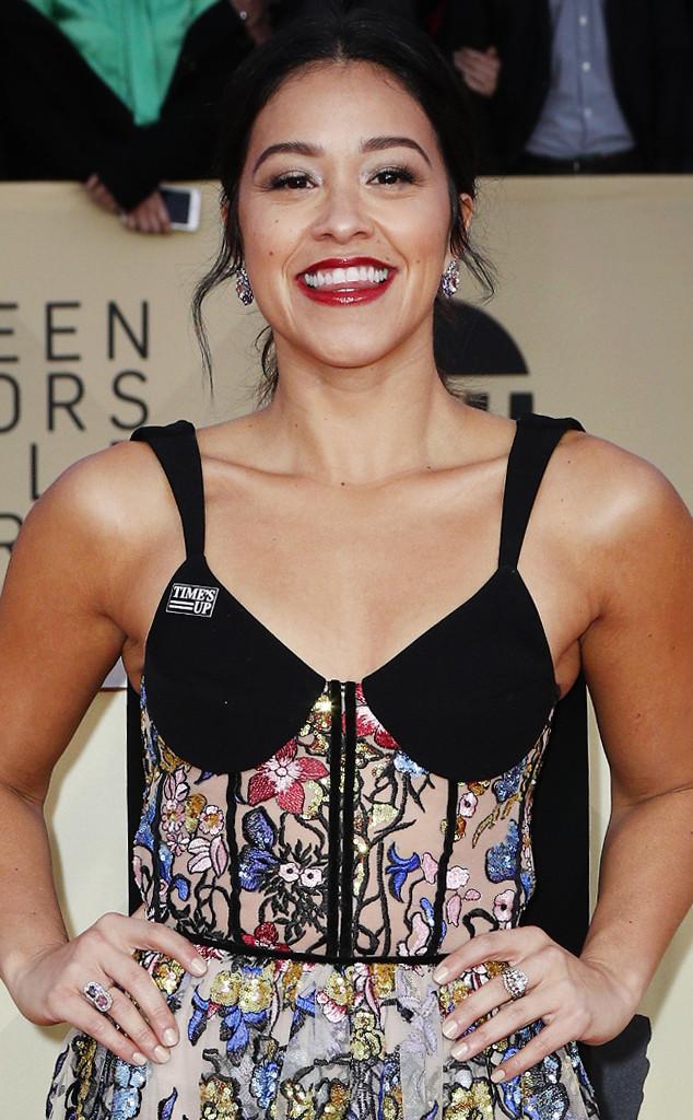 ESC: Gina Rodriguez, SAG Accessories
