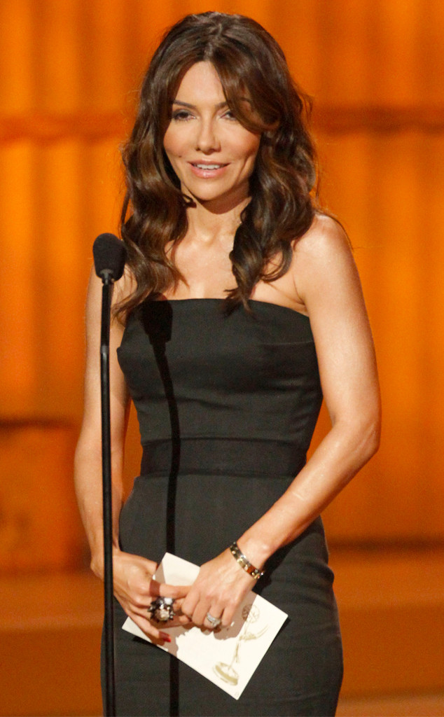 Ap Top 25 >> Vanessa Marcil Suffers Seventh Miscarriage 2 Months After Pregnancy Reveal | E! News