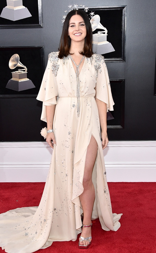 2018 Grammys Red Carpet Fashion Lana Del Rey, 2018 Grammy Awards, Red Carpet Fashions