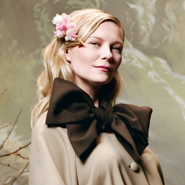 Kirsten Dunst confirms pregnancy in fashion campaign
