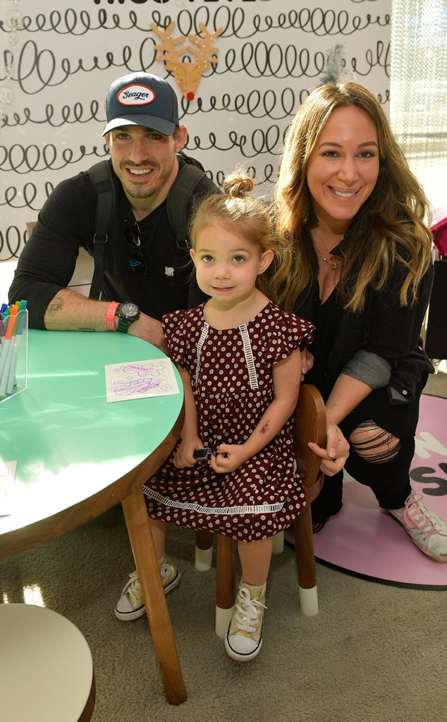 Haylie Duff Shares Sweet Baby Bump Photo With Daughter ...