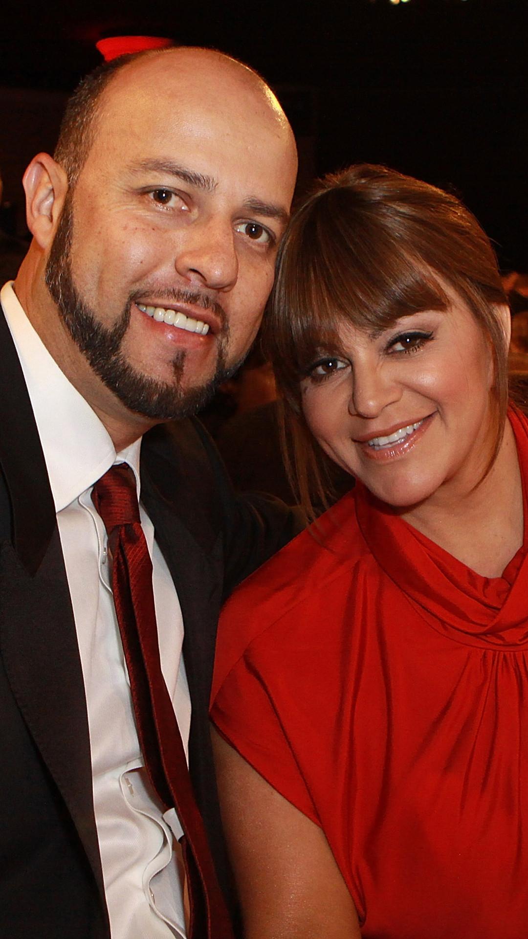 Jenni Rivera, Esteban Loaiza