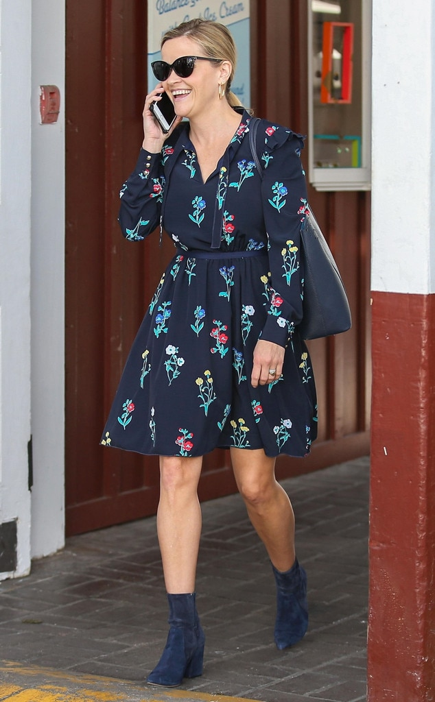Reese Witherspoon, Brentwood Country Mart