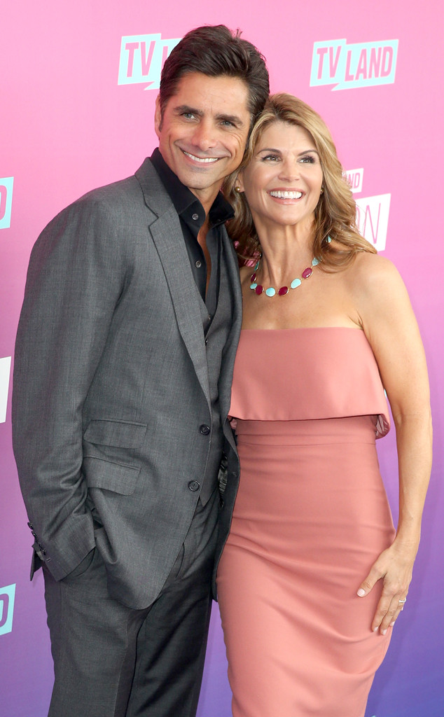 """Lori Loughlin Has No Doubts John Stamos Is Going To Make A """"Great Dad"""""""