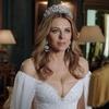 The Royals 401, Elizabeth Hurley