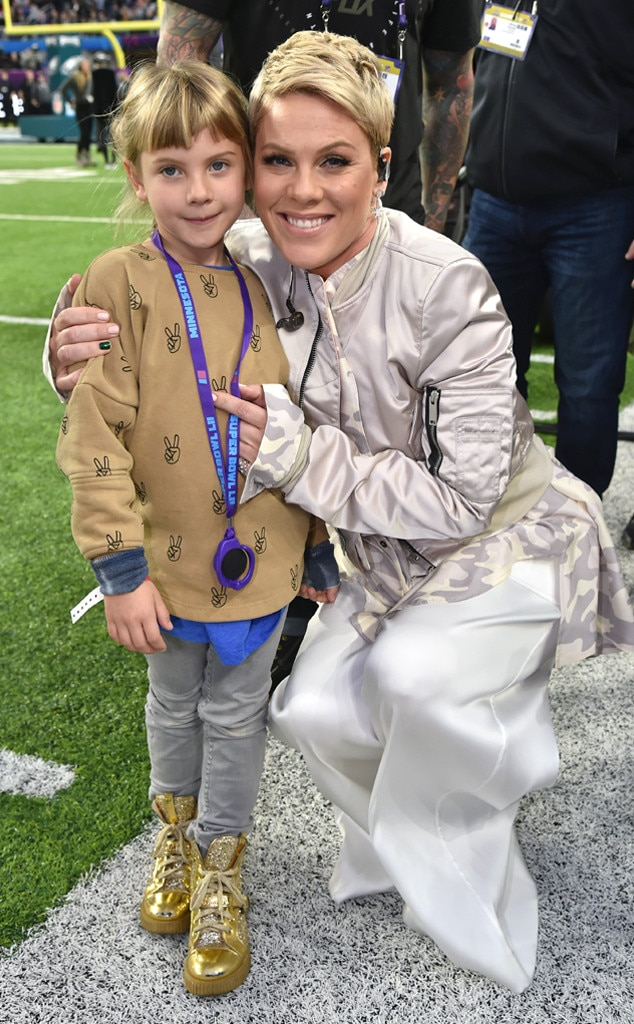 Pink, Willow Hart, Super Bowl LII