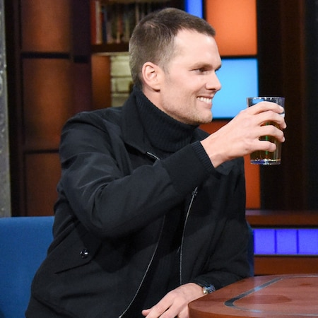 rs 600x600 180313042047 600.tom brady.31318 - Tom Brady Eats His First Strawberry and Chugs a Beer With Stephen Colbert