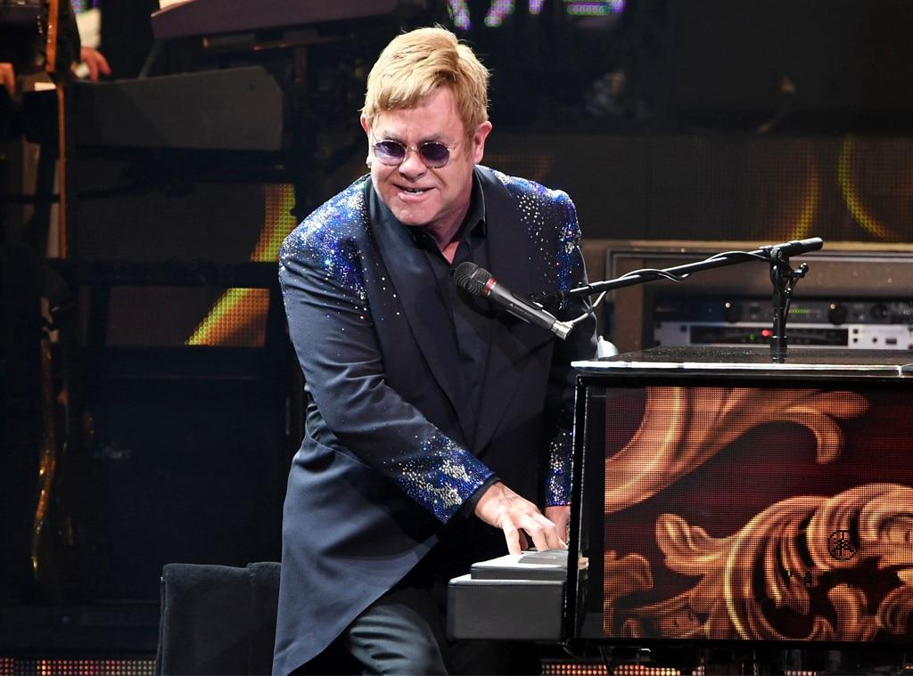 Elton John storms offstage, sounds off on fans