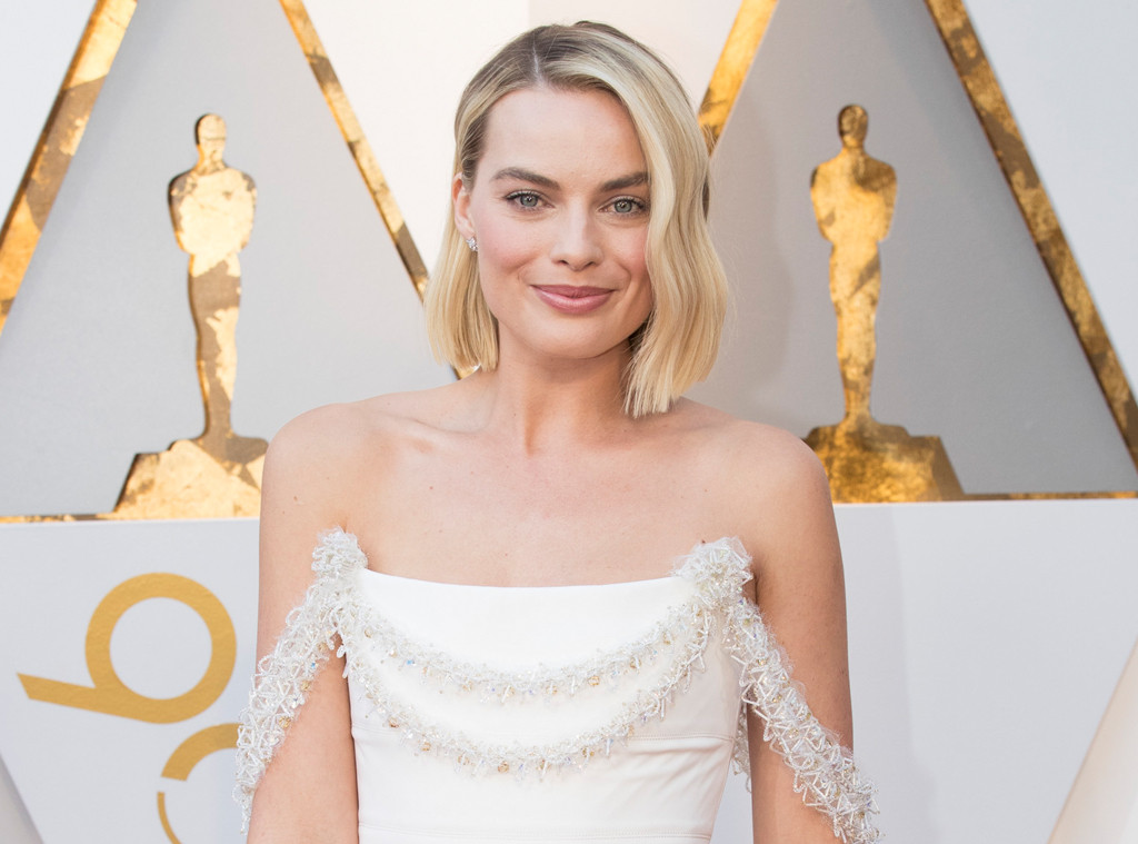Margot Robbie's Brother Trolls Her For Losing Best Actress At The 2018 Oscars