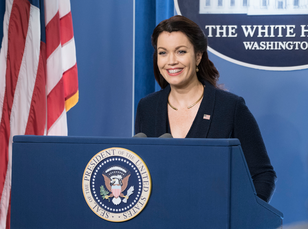 "Bellamy Young Admits No Other Job Will Ever Compare To Her ""Special"" Scandal Family"