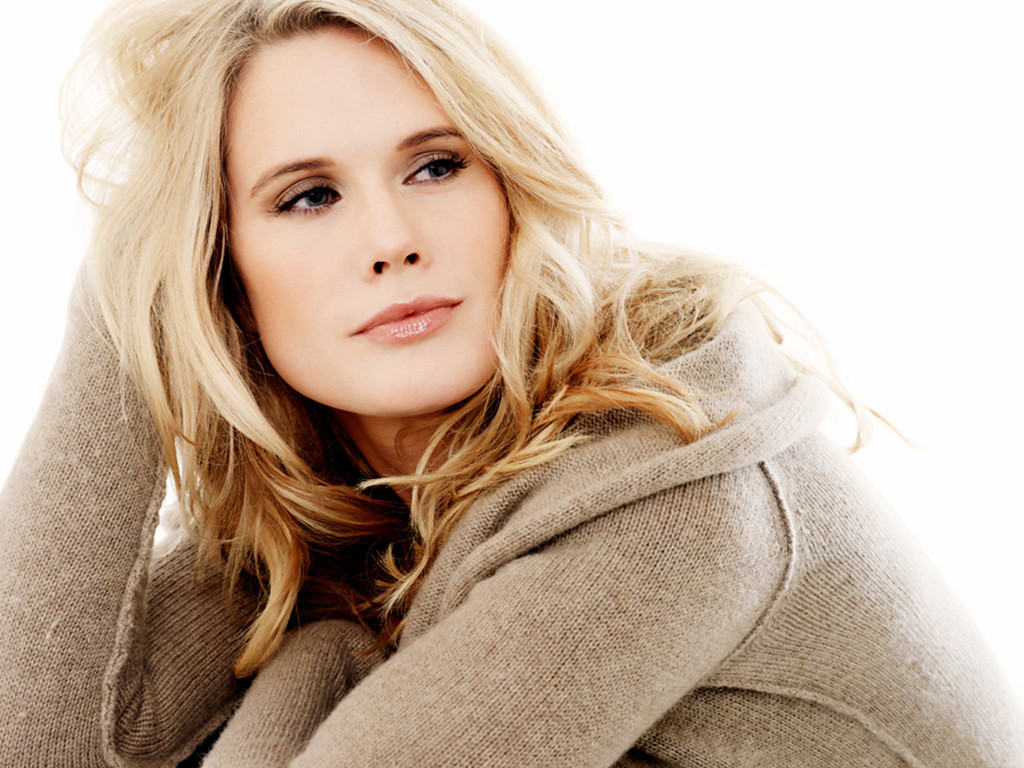 Law And Order: SVU Bringing Back Stephanie March As Alex Cabot For April Episode