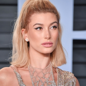 ESC: Best Beauty, Vanity Fair, Hailey Baldwin